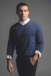 Mens Cashmere V neck jumper