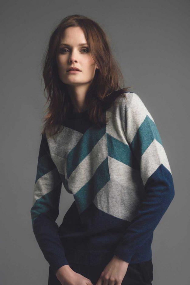 Womens cashmere hand intarsia sweater