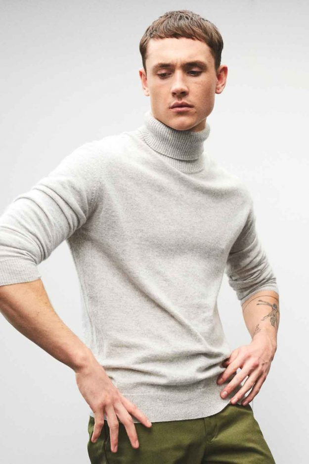 Mens cashmere turtle neck sweater
