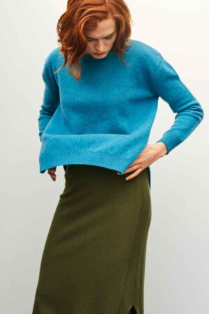 Womens lambswool slouch jumper in bright blue teal