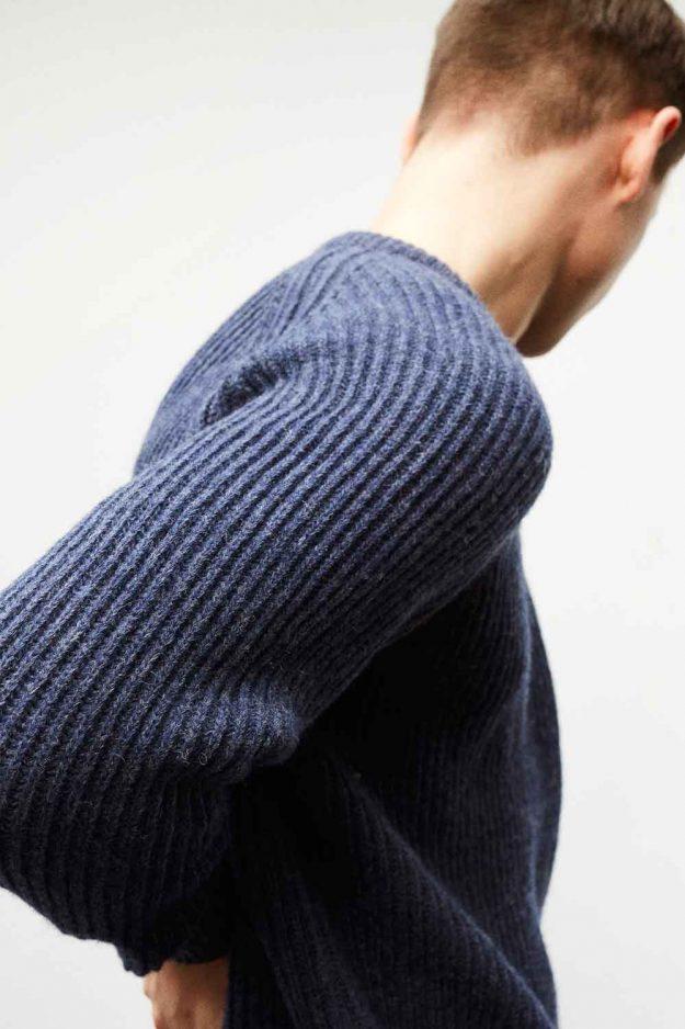 Mens FIshermans rib wool navy sweater