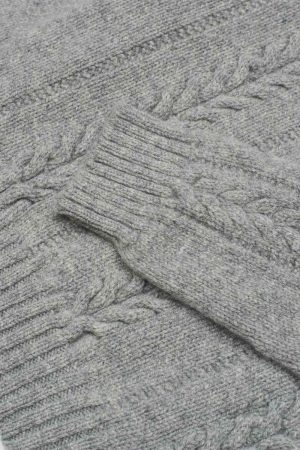 Allover Cable grey Lambswool Jumper detail
