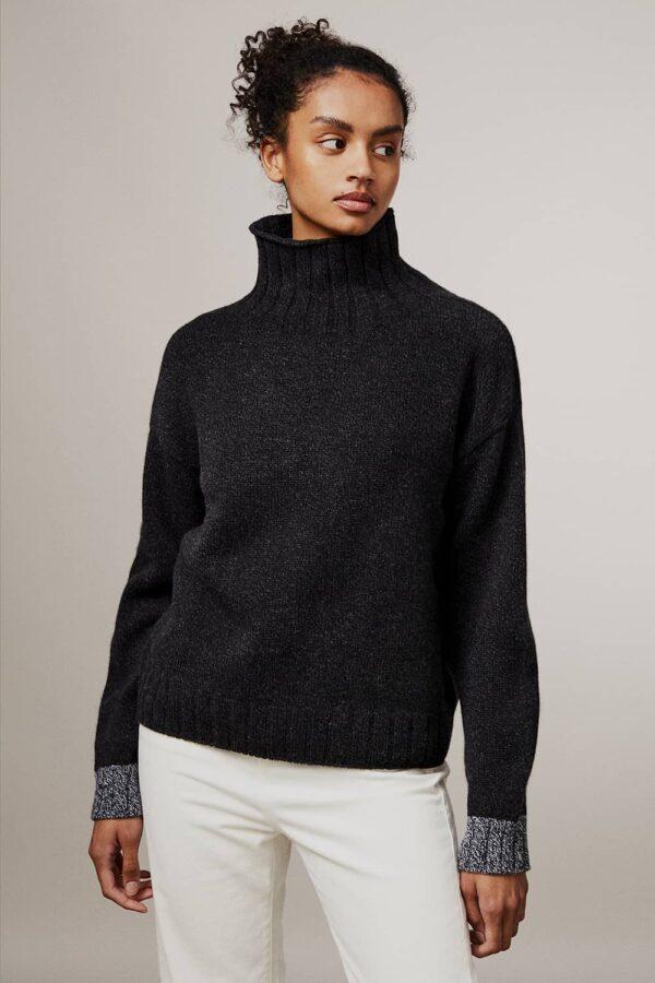 Thame Chunky Lambswool Turtleneck Sweater Black - British Made 3