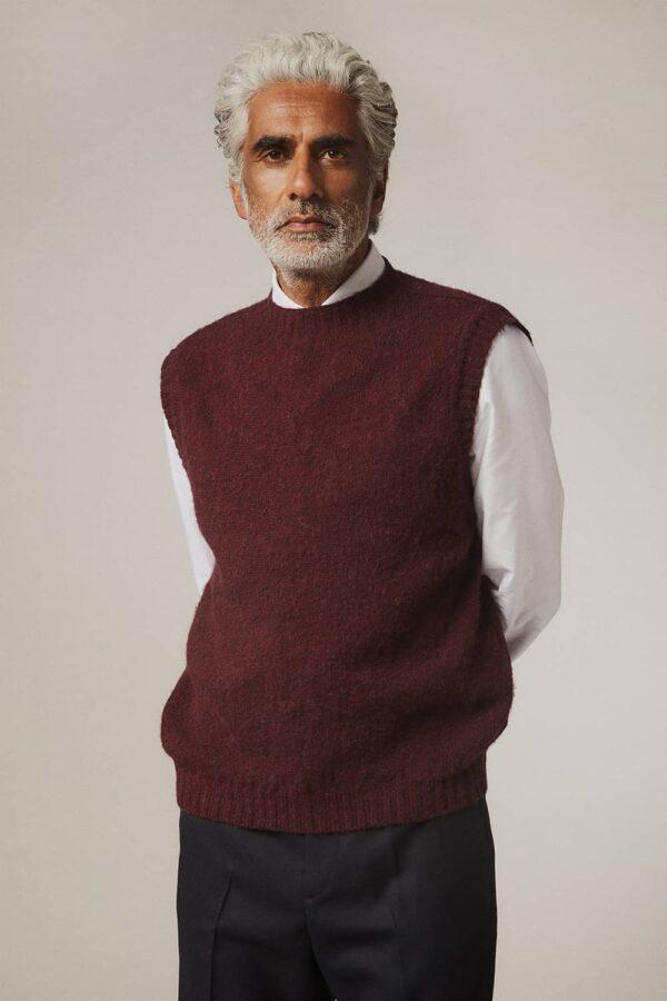 Burgundy Men's Woolen Knitted Sleeveless Sweater Vest